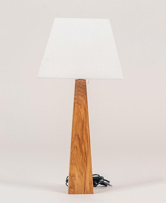 Dębowa lampa w stylu skandynawskim